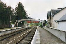 PHOTO  1995 STRATHCARRON RAILWAY STATION LOOKING TOWARDS KYLE OF LOCHALSH