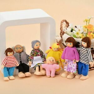 7 People Family Dolls Playset Wooden Figures for Children House Pretend Gift UK