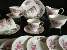 Vintage QUEEN ANNE china Pink roses 21 piece Tea set