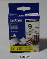 Beschriftungsband Brother P-touch TZ-221 schwarz auf weiß 9mm (C526-R43)