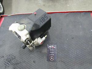 Mercedes R107 560SL ABS Brake Pump Unit