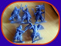 Russian Import 5~Templar Knights~Poses Vary~Color Blue and red 54mm go w Barzso