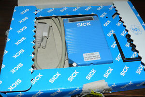 SICK CLV212A1010 BAR CODE SCANNER P/N 1 015 252 NEW