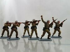 Britians Super Detail army soldiers lot of 6 1978