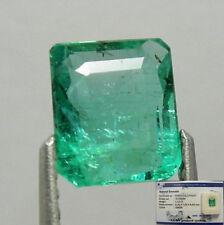 Gioielli e gemme di smeraldo