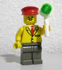 Railway Employee Lego minifigure CHRISTMAS HOLIDAY TRAIN CONDUCTOR 10173 TC17