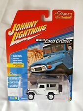 Johnny Lightning Toyota Land Cruiser White On Gray Soft-top Gold Collection