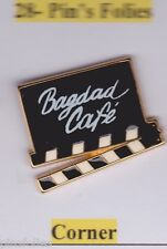 Pin's Folies *** Corner Clap cinema movie Badgad cafe