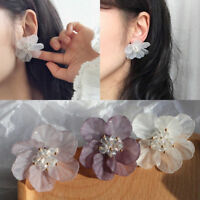 1 Pair Petals Acrylic Crystal Big White Camellia Flower Stud Earrings For Women