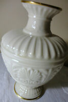 """LENOX CHINA ATHENIAN COLLECTION W 24K GOLD RIM VASE 8"""" TALL MADE IN  USA"""