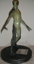 The X-FILES: FIGHT FUTURE ALIEN STATUE Maquette NIB! FOX MULDER Dana Scully Bust
