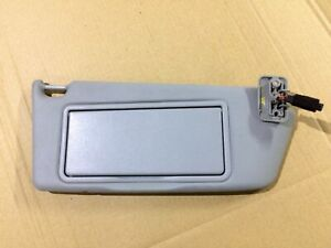VAUXHALL ASTRA H MK5 GENUINE O/S FRONT DRIVER SIDE RIGHT SUN VISOR WITH LIGHT