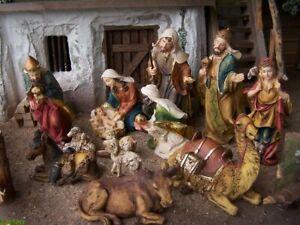 Krippenfiguren Set 12 Teile, 12 cm. Aus Polyresin. Handbemalt. Weihnachtskrippe