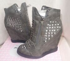 First Love by Penny Loves Kenny Gray High top Wedge Sneakers wink sz 8 new