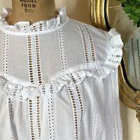 GAP Womens White Eyelet Ruffle Top Button Back Boho Prairie I Size Medium