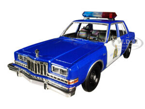 1986 DODGE DIPLOMAT CANADIAN POLICE BLUE & WHITE 1/24 DIECAST CAR MOTORMAX 76484