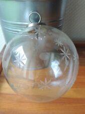 Grande boule de noël ancienne en verre ciselé. décor étoilé. CHRISTMAS BALL