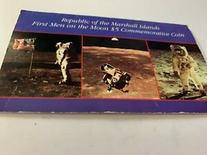 1989 First Men on the Moon ☆☆ $5 Republic of Marshall Islands Comm. Coin