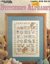 Stitcher's Alphabet Leisure Arts 812 Teddy Bears with ABCs 1989