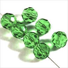 Lot de 20 perles à FACETTES 8mm en Cristal de Bohème Vert
