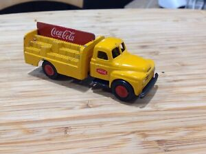 Micro Models  International drinks truck