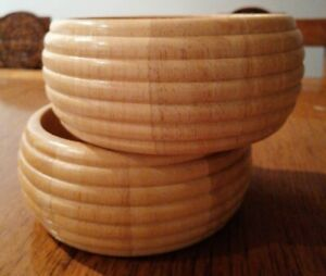 TWO wooden BOWLS IN LIGHT WOOD