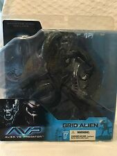 "AVP Alien vs Predator  2004 "" GRID  ALIEN "" 7in Action Figure NEW"