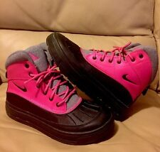 NIKE WOODSIDE 2 Pink/Black-Grey Boots (524876-600) Boys SIZE 6Y Snow