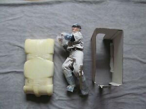 Lou Gehrig No 4 Longton Crown Figure In Box W/Bat  & Stand
