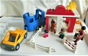 INCOMPLETE - LEGO Duplo Set 5648 Horse Stables - Various Pieces Subbed/Missing