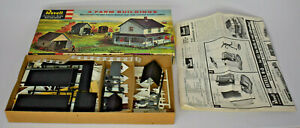 REVELL HO SCALE 4 FARM BUILDINGS KIT T-9003 COMPLETE AND UNUSED IN BOX