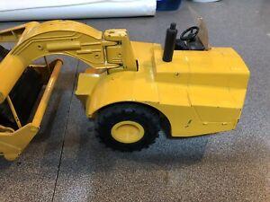 John Deere Scraper 1/16 scale