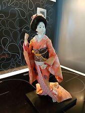 Ancienne Poupée Japonaise Représentant une Geisha