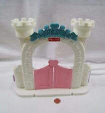 FISHER PRICE Loving Family Dollhouse HORSE STABLE GATE Once Upon Dream Castle