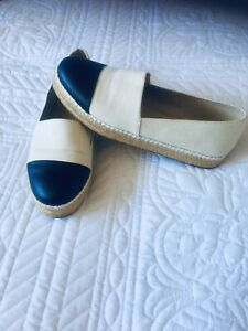 Ladies Flat Pump/  Shoes By Steve Madden Size 5