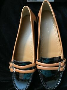 NIB TAHARISONYA PATENT LEATHER BUCKLED LOAFERS - SIZE 7 1/2 M BLACK/WHISKEY