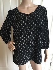 New with Tags Princess Vera Wang Long Sleeve Black Floral Blouse Size Large