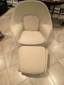 2010's Eero Saarinen Knoll Studio Womb Chair and Ottoman Off-White Boucle Fabric