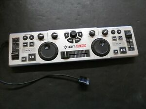 Ion iDJ2GO Mini Mobile Mixer Controller for iPhone / iPod / iPad Touch (K)