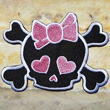 Ecusson patch tête de mort skull fille noeud rose, rock, gothique