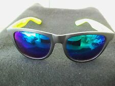 Victoria's Secret PINK Spring Break Sun Glasses!  BLACK WITH LIME GREEN ARMS!