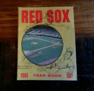 1961 BOSTON RED SOX BASEBALL YEARBOOK YAZ (ROOKIE) TED WILLAMS TRIBUTE FENWAY ++