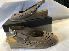 Spring Step Orella Beige Nubuck Leather Italy Wedge Slingback Sandals Sz 9 US