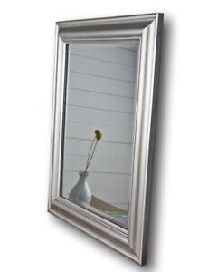 Spiegel 62x52 cm Wandspiegel schlicht silber HOLZ Landhaus Holzrahmen Badspiegel