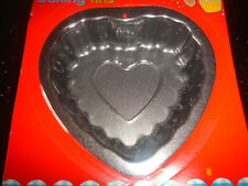 """QUALITY NON STICK MINI  4"""" HEART SHAPED FLUTED CAKE TIN VALENTINES DAY"""