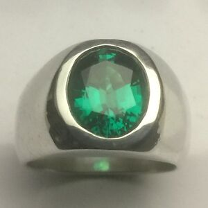 MJG STERLING SILVER  RING. HEAVY. 12 x 10mm OVAL LAB EMERALD. SIZE 9.5
