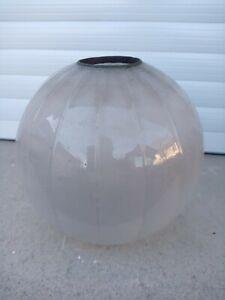 Ancien Globe Lampe à Pétrole Verre Opalisant 19 Ème Siècle