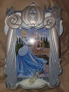 NWOT Disney Parks 3D Picture Frame Signature Series Cinderella - 4 X 6 Beautiful