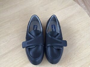 COSYFEET Extra Roomy Black Leather Shoes Size 7 Very Good Condition