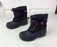 TOTES Winter Snow Boots Kids Youth Size 4